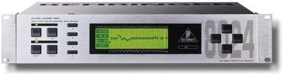 Behringer Ultracurve Pro DSP-8024 digital equalizer / processor