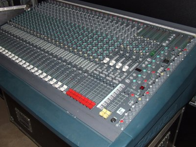 Soundcraft K3 Theatre 24+4 live console incl. PSU