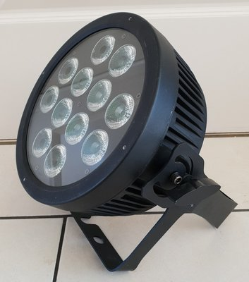 TRS 12x 12W RGBWAUV 6-in-1 LED Flat Par